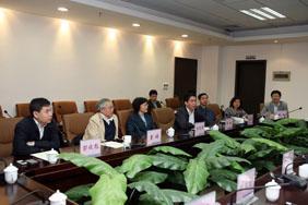 Alumnus LI Dongsheng, chairman of TCL Co., returns for cooperation