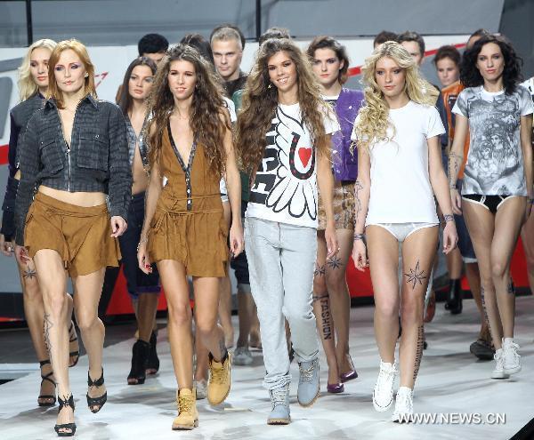 Volvo fashion week: SHIYAN & LETOPAVLOFF & TG