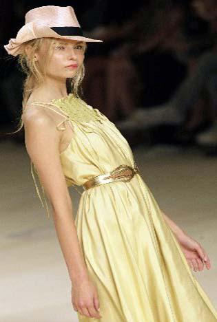 Models display Bonita Extra's 2009 spring/summer collection