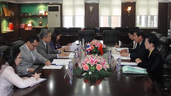 Consul General of Thailand in Guangzhou Visiting Jinan University