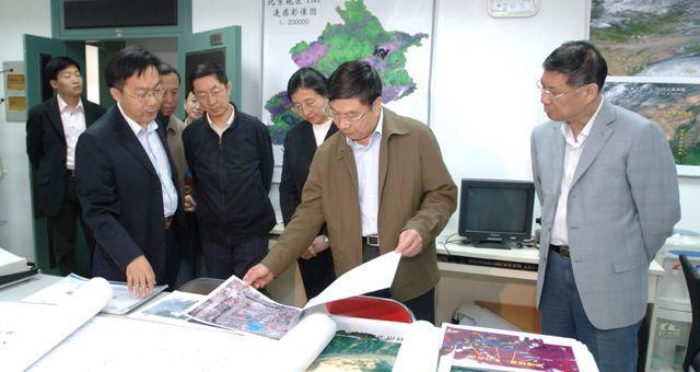 Du Deyin Visits CNU