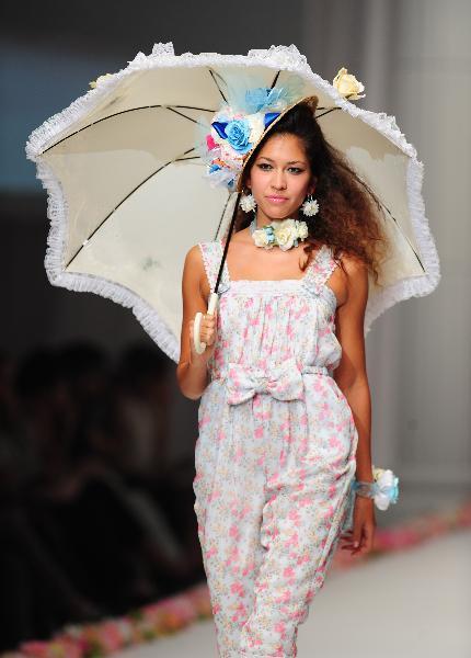 Idyllic teenage creations at Japan Fashion Week