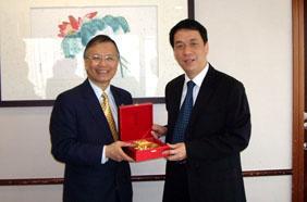 SCUT delegation visits Hong Kong Polytechnic University