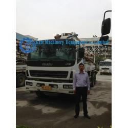 China 37m second hand concrete pump on Isuzu truck  for sale on sale