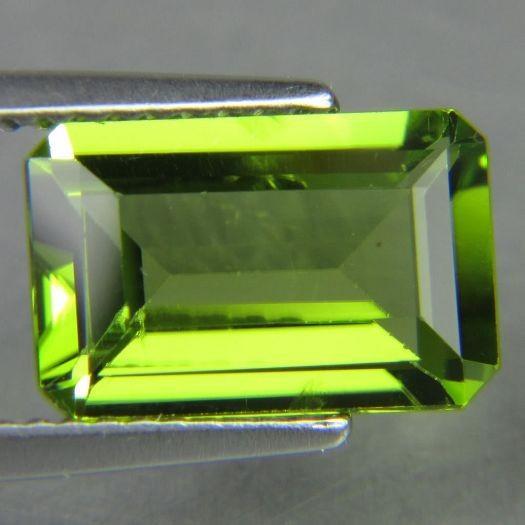 9x7mm 2 4carat Emerald Cut Peridot Loose Gemstones 100