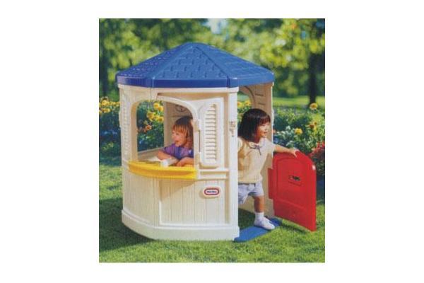 Ao ar livre crian as brincar casa jardim pent gono for Casas de plastico para jardin