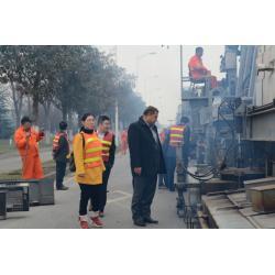 China Single Layer Pavement Recycling Machine , 110℃ Material Bank Asphalt Repair Machine on sale