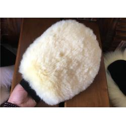 China Durable Real Sheepskin Car Wash Mitt 100% Wool For Cleaning Plastic / Metal Surface on sale
