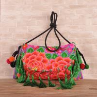 Hot sale woman ethnic handbag embroidery messenger bag with tassel