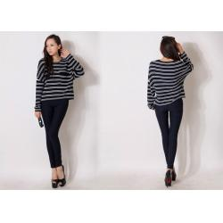 China Summer Black & White Stripes Ladies Crew Neck Sweaters Pullover in Long Sleeve on sale