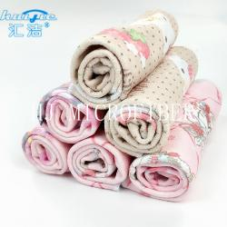 China Microfiber Printed Hand Towel Home Use Baby Towel 40*40cm Square Shape Pink Color on sale