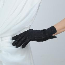 China 100% Real sheepskin Women Leather Gloves,Five Finger winter leather Gloves with lace on sale