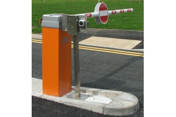 Automatic traffic barrier pedestrian security gates
