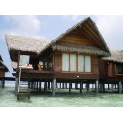 China Overwater Bungalow / Prefab House For Resort Water Bungalow on sale