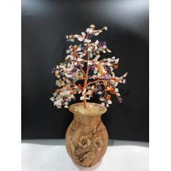 China Beaded Wire Indoor Bonsai Tree Sculpture Rose Quartz Gemstone Tree For Family on sale